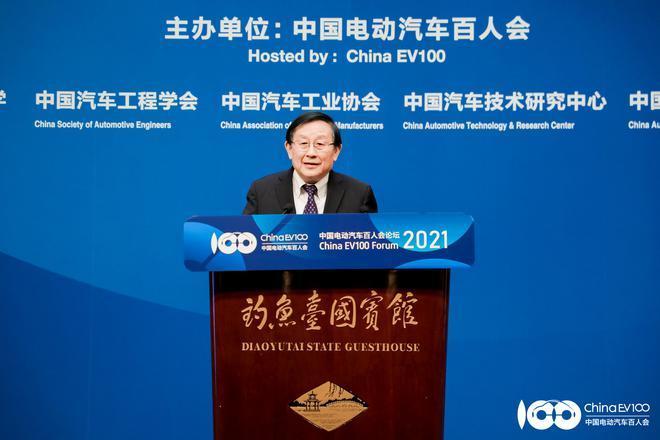 全国政协副主席、中国科学技术协会主席 万钢