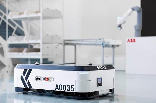 ABB Robotics acquires ASTI Mobile Robotics_Goods-to-person_GoFa cobot_ASTI EBOT 350