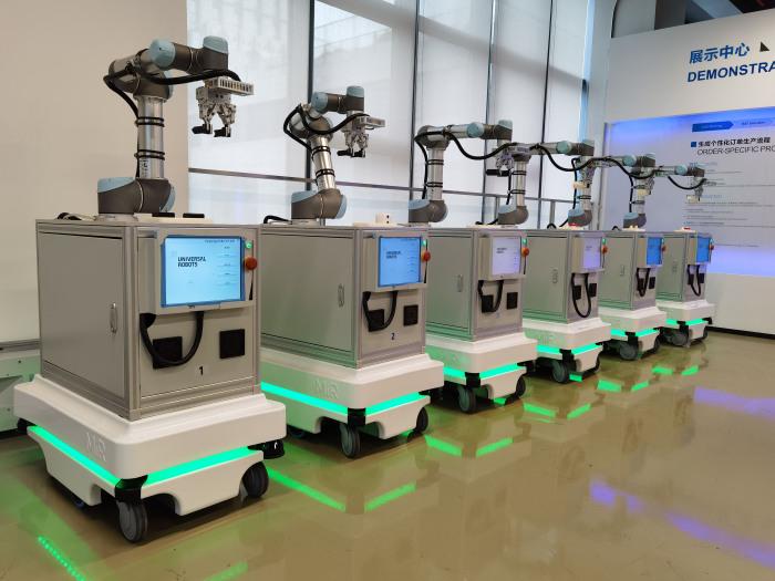 复合机器人 2