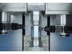 适用于电动汽车的高效生产技术: 如何采用无纹路车削技术优化转子轴生产