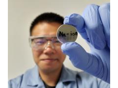 美国研发新款钠离子电池 1000次充放电循环后仍保持80%以上电量
