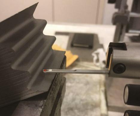 图5b 表面光洁度测量方向(垂直于磨削方向)