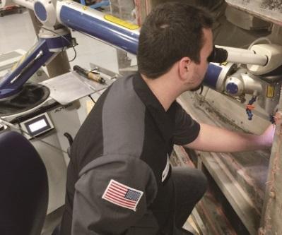 图2 类似ALM 300这样的脉冲激光焊接机,在进行点焊时,精度可小至0.004inch,而微型TIG装置的焊接点尺寸最小只能达到0.04inch。相较之下,焊接位置的准确性明显提升