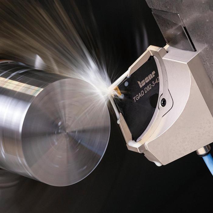 图2 JETCROWN组件提供直达切削区域的高压冷却射流,最大化切断加工生产率