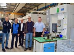 来自萨克森的专业零部件制造商:Bäringhaus & Hunger公司为何30多年来信赖埃马克上下料技术