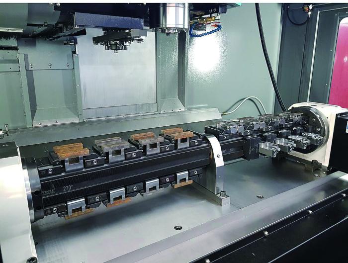 基轨钳块组件配套四轴加工中心,实现多品种多件加工