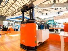 叉车式机器人竟能如此灵巧智慧,全球电子业巨头将它用于智能工厂