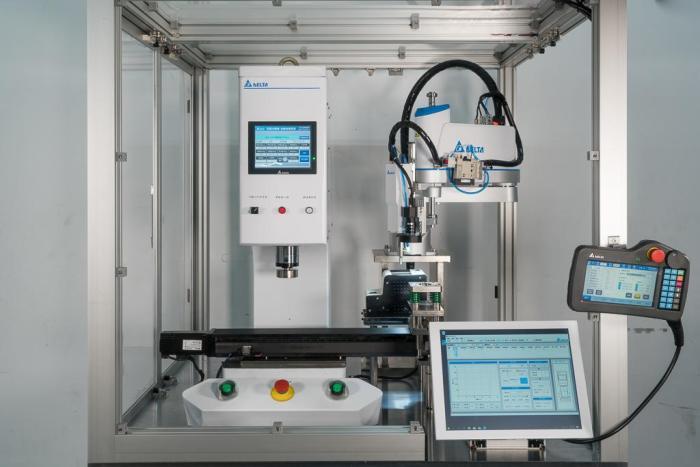 台达伺服压机与SCARA工业机器人结合应用,可打造自动取放,压合的一体化智能工作站